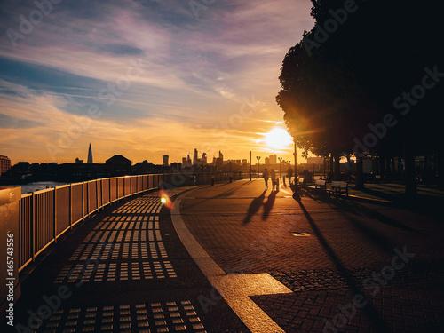 Plexiglas Brug Sunset, London, UK, Thames Path,