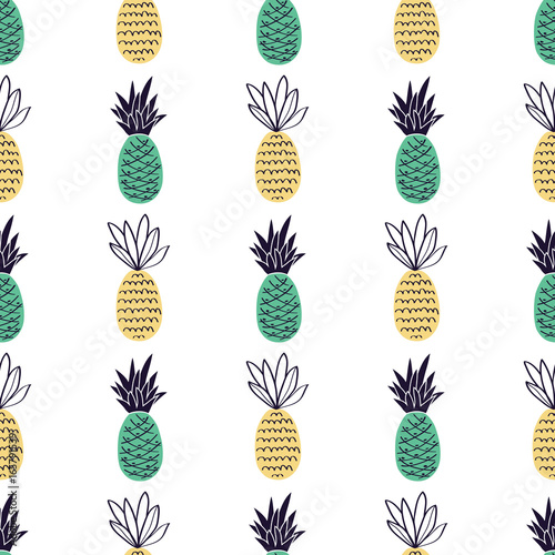 Vector seamless pattern with pineapples. Cute summer fruit background. - 165791539