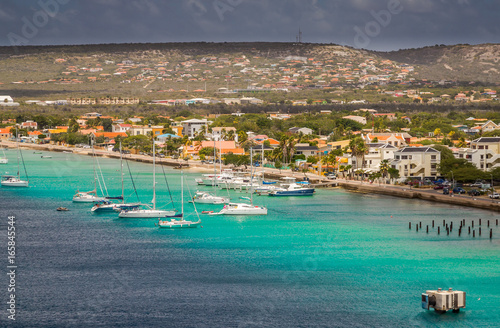 Foto op Canvas Caraïben Arriving at Bonaire, capture from Ship at the Capital of Bonaire, Kralendijk in this beautiful island of the Ccaribbean Netherlands, with its paradisiac beaches and water.