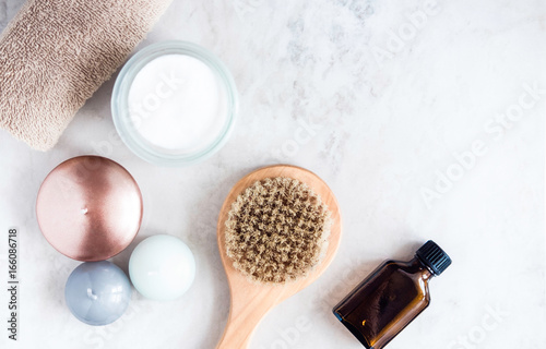 Keuken foto achterwand Spa Spa beauty products on white marble table from above. Beauty blogger concept. Copyspace
