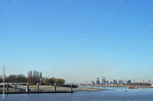 Aluminium Antwerpen industriegebiet an der schelde antwerpen