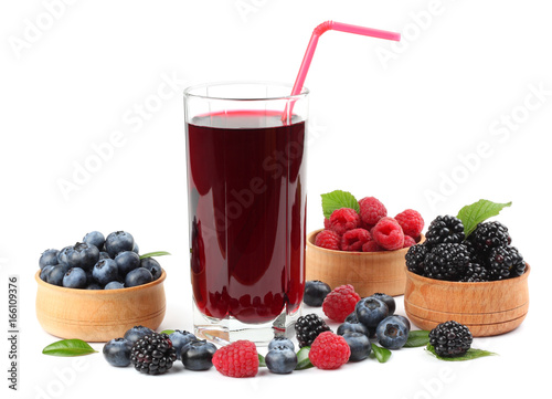 Poster Sap blueberry juice isolated on white background.