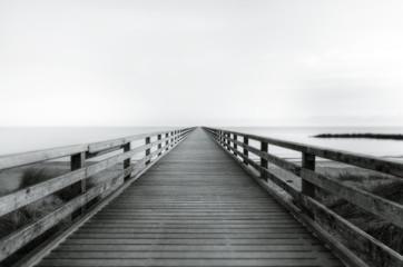 Steg ins Meer © by-studio
