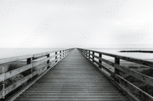 Steg ins Meer - 166302736