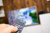 Fernbedienung vom Fernseher - 166312317