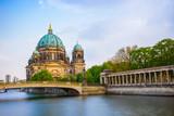 Katedra w Berlinie i widok na Spree