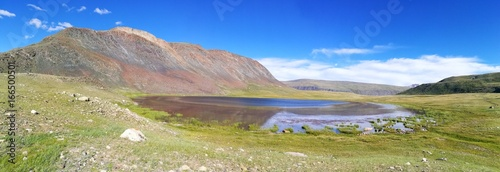 Bergsee in der Mongolei