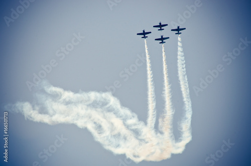 Zobacz obraz Planes on the sky during the airshow