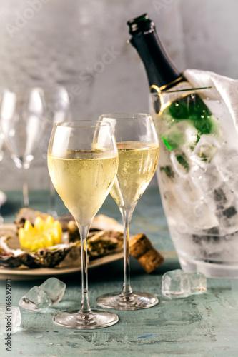 Champagner...