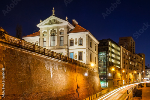 Fototapeta Night view on the baroque palace (Museum of Frederick Chopin) in Warsaw, Poland