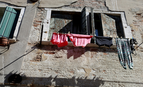 Foto op Canvas Venetie Underwear and cloths to dry out of the house