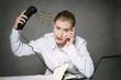 femme harcelée au téléphone