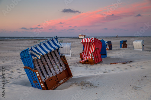 Foto op Aluminium Noordzee Beach Chair Meeting