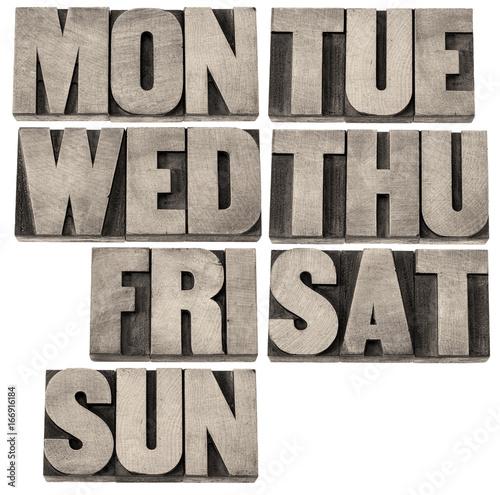 days of week in wood type
