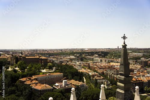 Paysage de la ville de Madrid en Espagne depuis le dôme de la Cathédrale de l'Almudena.