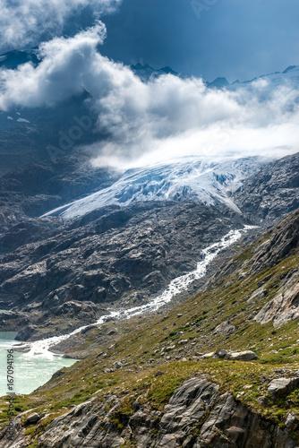 Deurstickers Bergen Gauligletscher mit Gaulisee am Ende des Urbachtals, Berner Oberland