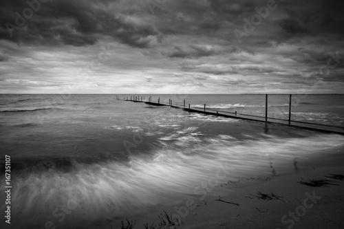 Foto op Aluminium Pier Jetty and rough seas