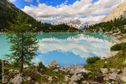 Lago di Sorapiss with amazing  turquoise color of water. The mountain lake in Dolomite Alps. Italy - 167355503