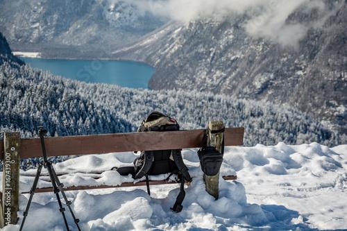 Fotobehang Bergen Bergsee Fotografieren im Winter Schnee in den Alpen Berge Bank