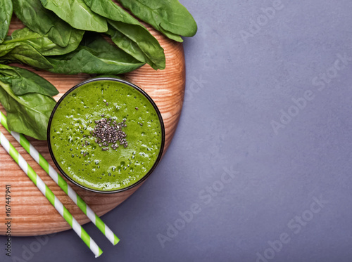 Green smoothie sprincled with chia seeds - 167447941