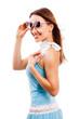 Quadro attraktive lachende junge Frau im Sommerkleid vor weißem Hintergrund