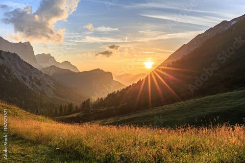 canvas print picture Sonnenuntergang auf der Hallerangeralm im Karwendel
