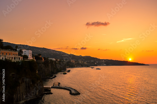 Papiers peints Orange eclat Stunning sunset over the beautiful Sorrento, Italy