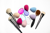 Set of makeup brushes, beauty blenders, silicone sponges and oval brush - 168021767