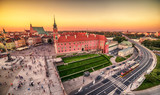 Fototapety Warsaw, Poland: Castle Square and the Royal Castle, Zamek Krolewski w Warszawie in the sunset of summer