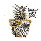 Ananas w stylowych okularach
