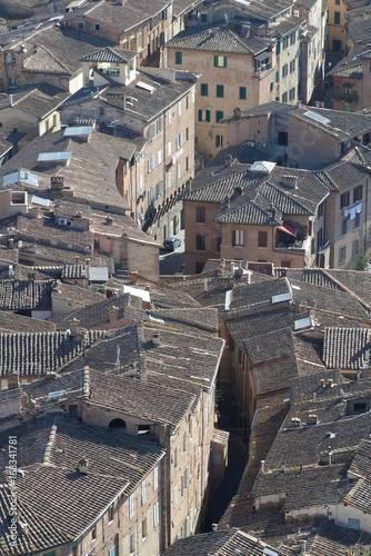 シエナ旧市街 密集する家々