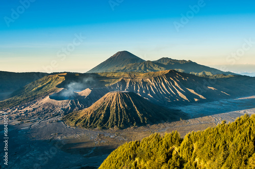 Foto op Plexiglas Indonesië Mount Bromo volcano (Gunung Bromo) during sunrise from viewpoint on Mount Penanjakan, in East Java, Indonesia.