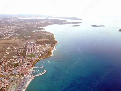 Fotobehang Groen blauw Kroatien - Istrien aus der Luft