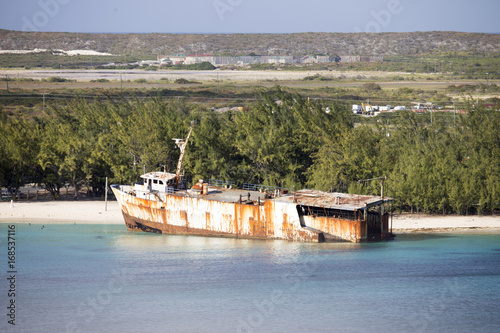 Aluminium Schipbreuk Abandoned Ship in the Caribbean