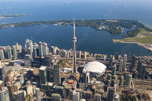 Papiers peints Toronto Toronto Skyline and Islands as Seen from Aerial Point of View