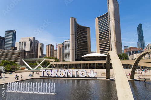 Aluminium Toronto Toronto City Hall Nathan Phillips Square on Sunny Summer Day