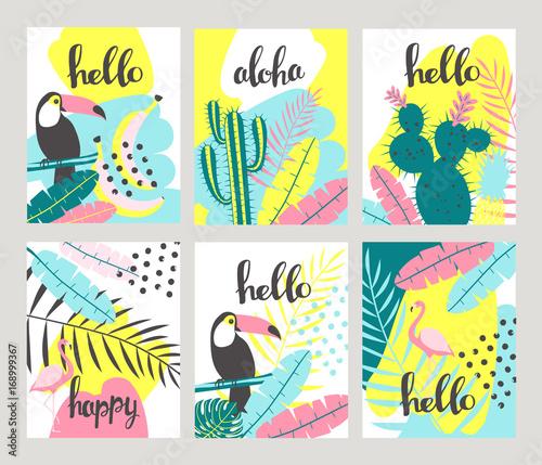 Kwiatowe plakaty w tropikalnym stylu z egzotycznymi liśćmi, tukanem, ananasem, flamingami. Może być stosowany do kart, plakatów, zaproszeń, ulotek. Ilustracji wektorowych