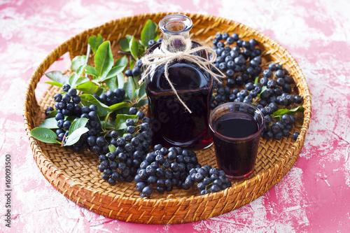 Fotobehang Sap chokeberry liqueur