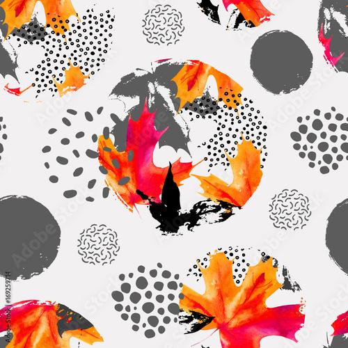 Fototapeta Autumn leaves in circles, watercolor seamless pattern.