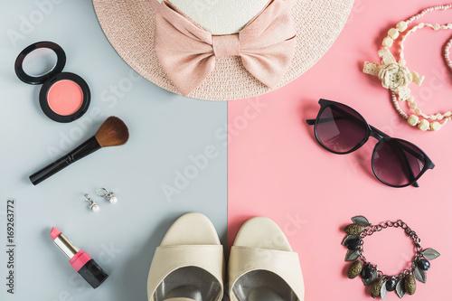 kobiety kosmetyki i modne przedmioty z miejsca na kopię