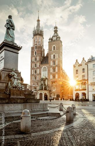 Zdjęcia na płótnie, fototapety na wymiar, obrazy na ścianę : Adam Mickiewicz monument and St. Mary's Basilica on Main Square in Krakow, Poland