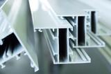 profili in alluminio per porte e finestre verniciati in bianco  - 169327520