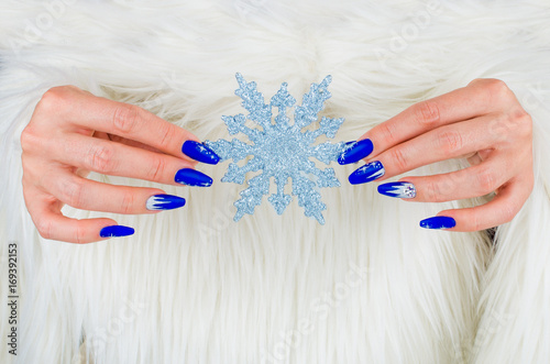 Beautiful nail decorations for your Christmas and New Year parties Плакат