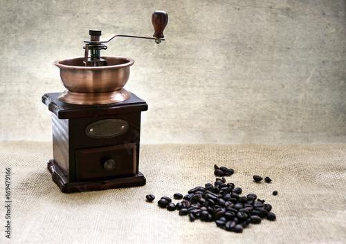Fotobehang Koffiebonen Granos y molinillo de café