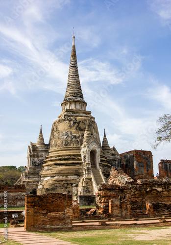 Fotobehang Thailand Old pagoda with blue sky in Ayutthaya Historical Park, Ayutthaya, Thailand