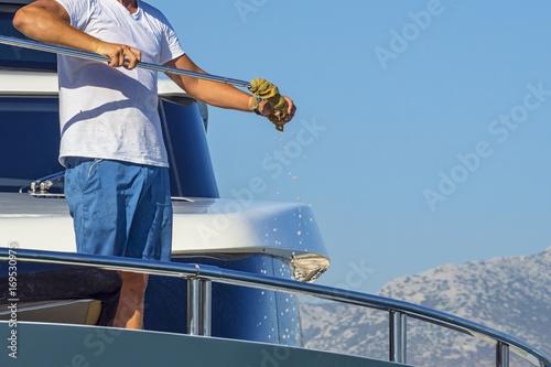 In de dag Schip Pulire lo yacht