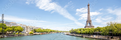 Landscape panoramic view on the Eiffel tower and Seine river during the sunny day in Paris - 169571316