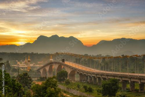 mata magnetyczna Morning light of 3rd thai-lao friendship bridge at nakhon phanom ,thailand