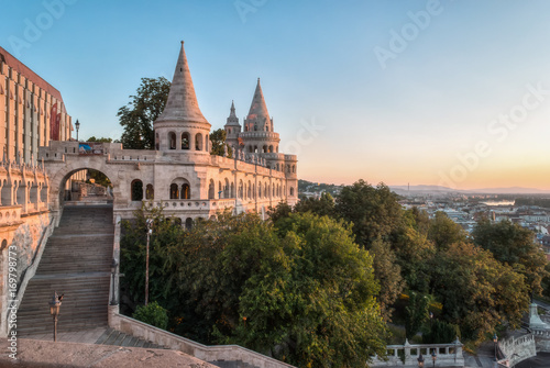 Papiers peints Budapest South Gate of Fisherman's Bastion in Budapest, Hungary at Sunrise