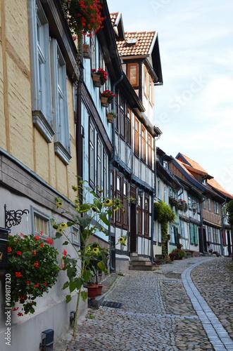 Fotobehang Smalle straatjes Quedlinburg, Welterbestadt, Straße, Kopfsteinpflaster, Fachwerkhäuser